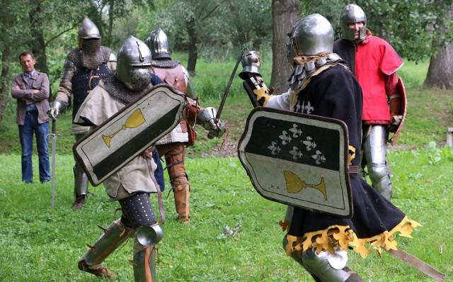 Jedną z atrakcji były pojedynki rycerzy.