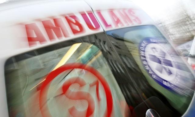Potrącony na ul. 3 Maja w Myślenicach pieszy został zabrany do szpitala