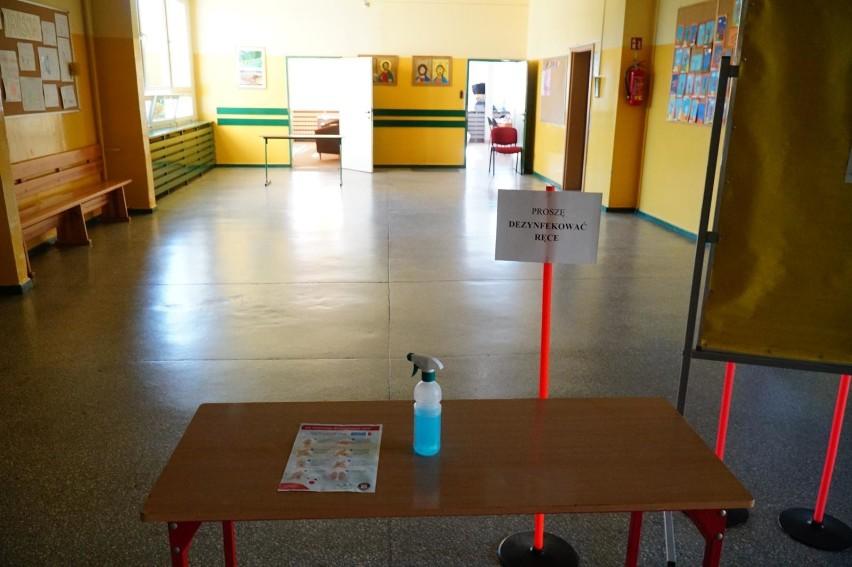 Egzamin klas VIII odbędzie się w reżimie sanitarnym - szkoły...
