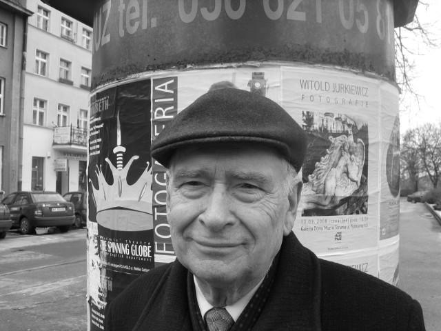 Czesław Jarmusz podczas spaceru na starówce, rok 2008