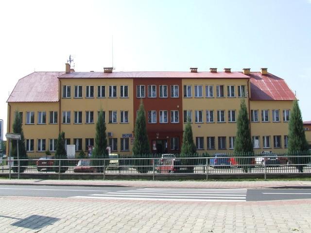Jednym z budynków, który ma doczekać się termomodernizacji ma być Urząd Gminy w Rytwianach.