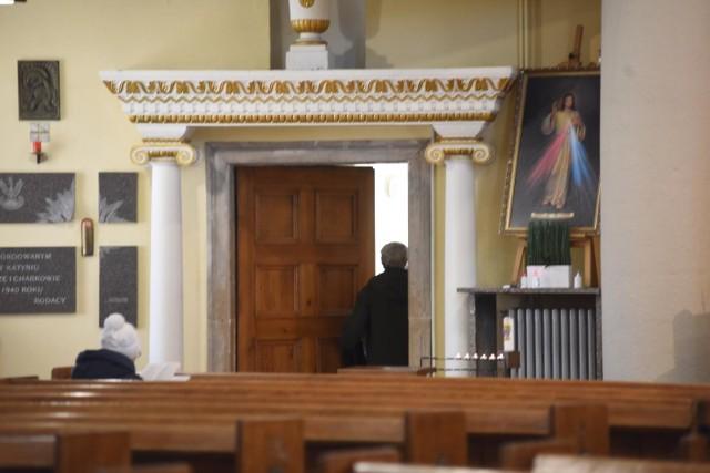 Co to jest Apostazja? Jak wystąpić z Kościoła. Akt apostazji - poradnik.