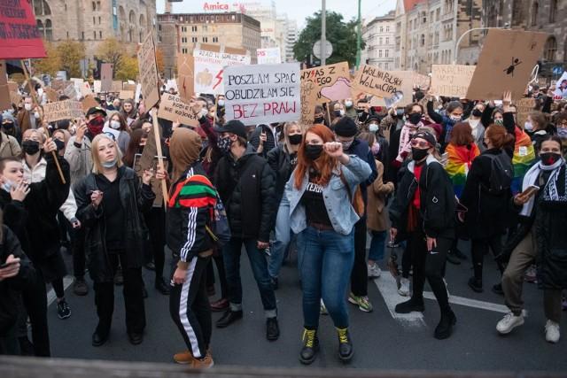Co dalej z prezydenckim projektem dot. aborcji? Opozycja i Polacy są sceptyczni