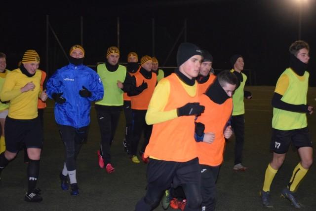 Piłkarze Młodzika Radom zimowe przygotowania rozpoczęli we wtorek.