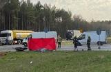 """Śmiertelny wypadek na """"chociwelce"""". Motocyklista nie przeżył zderzenia z ciężarówką. Wypadek w woj. zachodniopomorskim"""