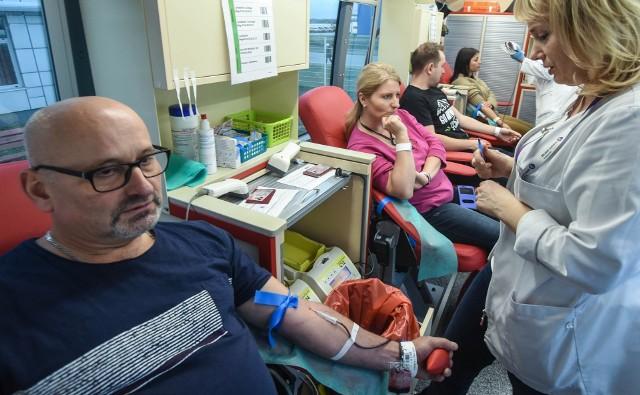Krew potrzebna jest zawsze, teraz w sposób szczególnie pilny (zdjęcie poglądowe).
