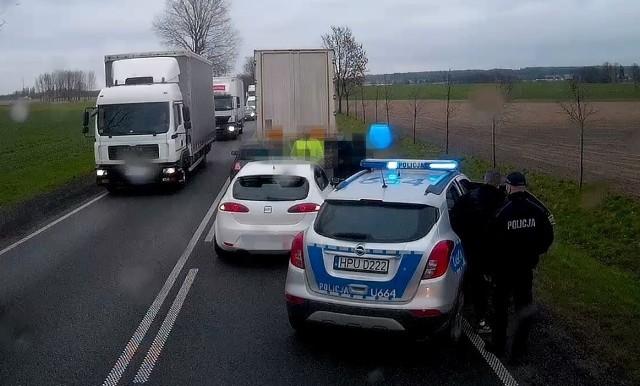 Policja zatrzymała trzech pijanych kierowców, jeden z nich miał 2 promile alkoholu we krwi
