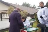 Ul. Wysockiego. Cmentarz miejski pełen odwiedzających groby (zdjęcia, wideo)