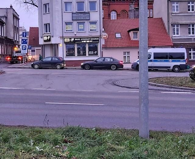 Policjanci zatrzymali kierowcę, który nie powinien wsiadać za kierownicę.