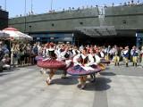 Trwa Międzynarodowy Studencki Festiwal Folkloru. Zespoły występują online. Zobaczcie, jak impreza wyglądała przed pandemią
