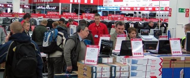 Największym zainteresowaniem cieszył się dział z komputerami.