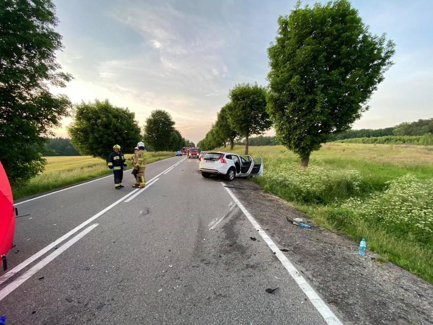Tragiczny wypadek w Borczu [21.06.2020] Trzy osoby nie żyją, w tym 16-latka. Siedem osób rannych