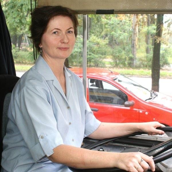 - Praca za kółkiem to mój żywioł. W samochodzie czuję się jak ryba w wodzie - mówi Małgorzata Nassalska z Kielc.