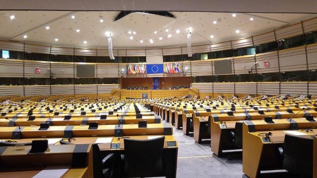 W Parlamencie Europejskim debata o budżecie i praworządności. Mocne słowa Beaty Szydło