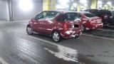 Parkowanie na chama. Dla tego kierowcy niepotrzebne jest miejsce