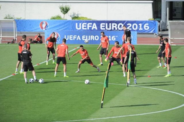 O KTÓREJ MECZ OTWARCIA, O KTÓREJ MECZ FRANCJA RUMUNIA O KTÓREJ CEREMONIA OTWARCIA. Dziś zaczyna się piłkarskie święto MECZ OTWARCIA EURO 2016