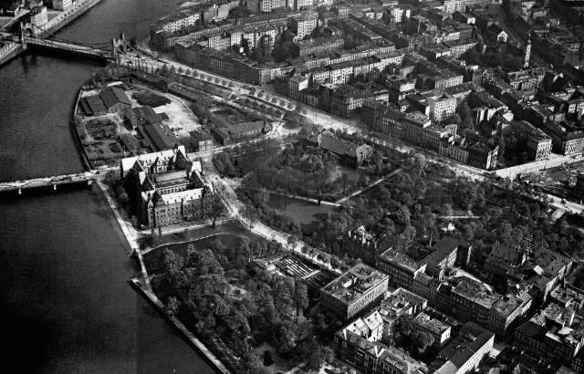 Okolice dzisiejszej ulicy Purkyniego i placu Społecznego. Po lewej most Pokoju i most Grunwaldzki