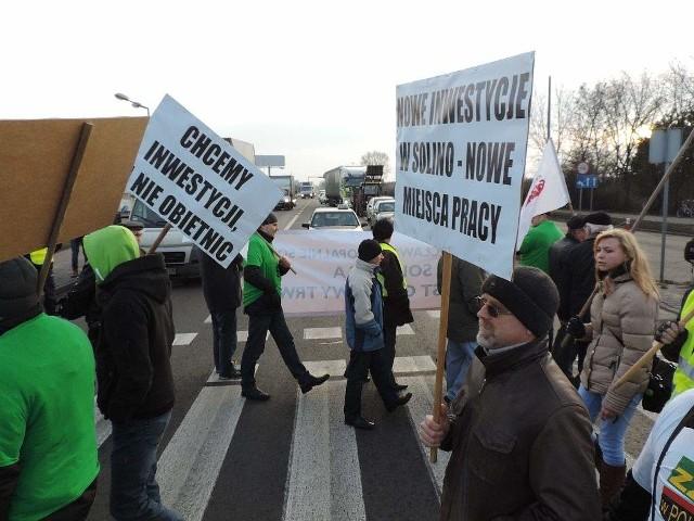Zarząd IKS Solino proponuje spore podwyżki. Związkowcy opuszczają spotkanie: - Srebrniki nas nie interesują!Migawka z ostatniego protestu w Inowrocławiu