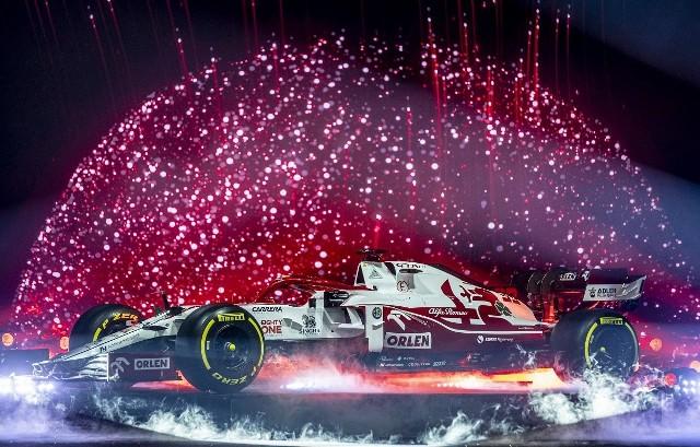 """Dzięki PKN ORLEN, po raz pierwszy w historii, globalna prezentacja bolidu Formuły 1 przed nadchodzącym sezonem miała miejsce w Polsce. W wydarzeniu, zorganizowanym na największej scenie w Europie, Kimi Räikkönen, Antonio Giovinazzi i Robert Kubica zaprezentowali nowy model C41. Uruchom i przeglądaj galerię klikając ikonę """"NASTĘPNE >"""", strzałką w prawo na klawiaturze lub gestem na ekranie smartfonu"""