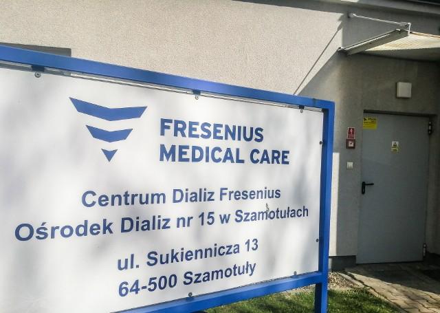 Od wtorku, 31 marca pacjenci z koronawirusem lub jego podejrzeniem, a wymagający dializowania są przewożeni do stacji w Szamotułach.