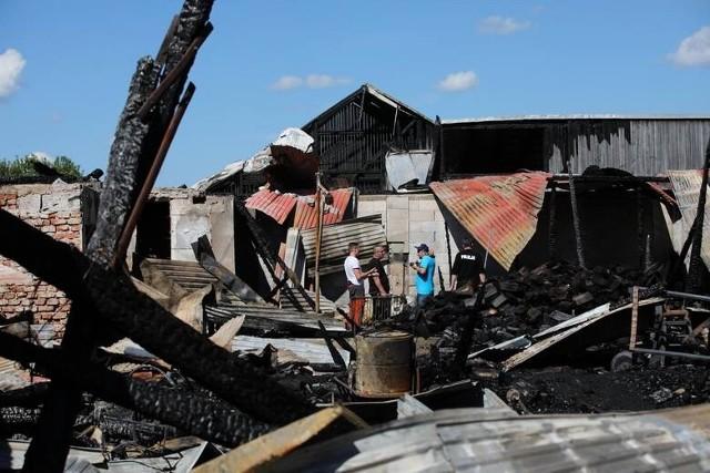 W Małopolsce pełna mobilizacja, wsparcie dla mieszkańców z Nowej Białej, którzy w pożarze stracili dorobek życia płynie cały czas