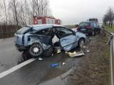 Wypadek w Skarbimierzu. Czteroletni chłopczyk zginął w wypadku samochodowym na obwodnicy Brzegu. Ranne zostały cztery osoby