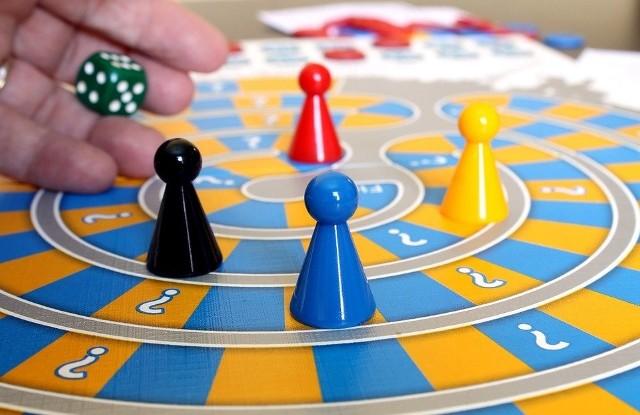 Niejedna gra planszowa potrafi przynieść więcej emocji niż komputerowa rozrywka.