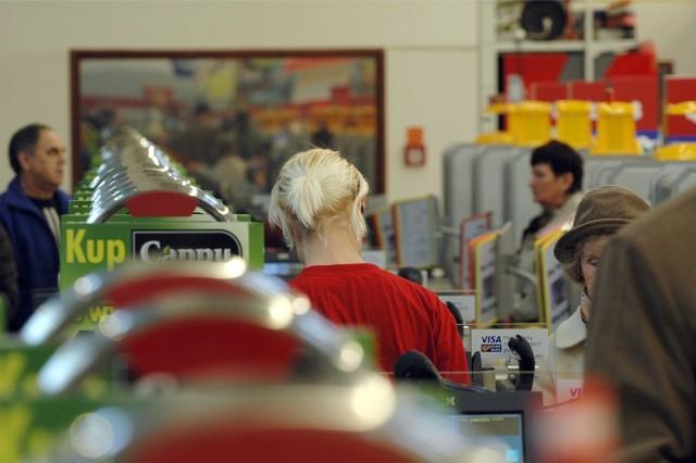 Do której czynne sklepy w Wielką Sobotę 2019? Sprawdź godziny otwarcia marketów BIEDRONKA, LIDL, TESCO, KAUFLAND, AUCHAN 19.04.19