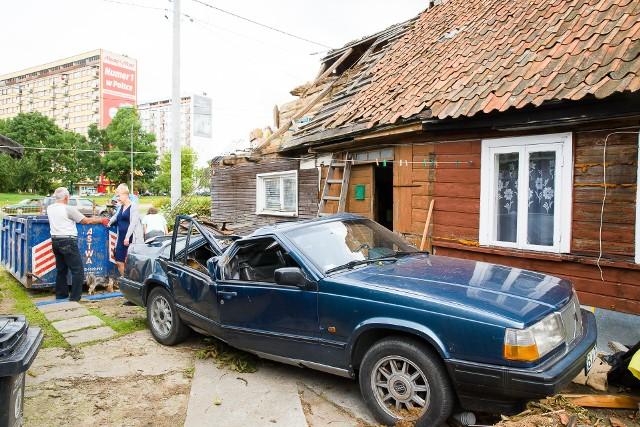 Romuald Knajdek stracił dach nad głową i volvo. Burza w Białymstoku zabrała wszystko. Rodzina potrzebuje pomocy