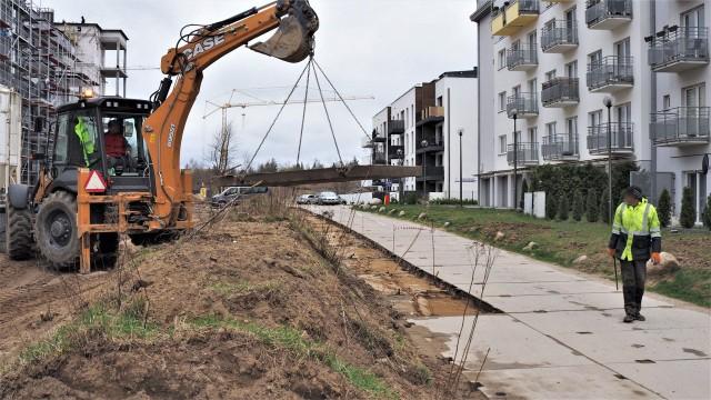 Droga do osiedla Panorama w Koszalinie dalej jest demontowana