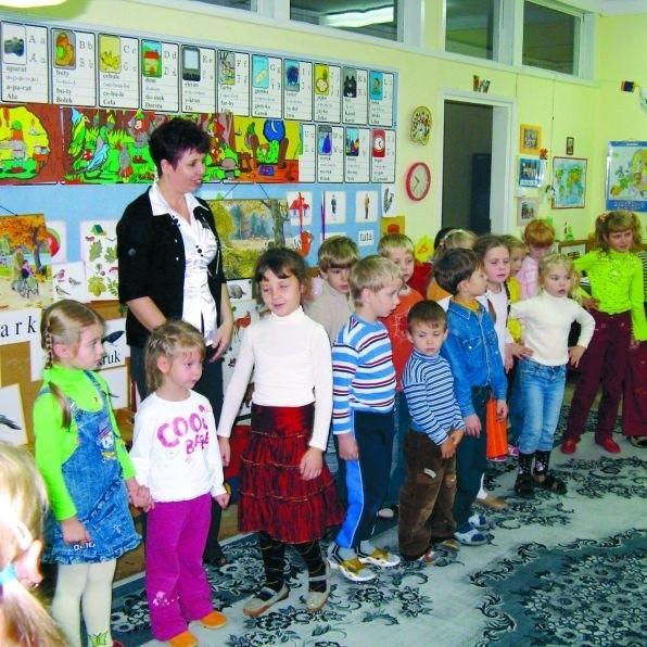 Dzieci z Grodna i Sokółki podczas wspólnych zajęć w sokólskim przedszkolu nr 4. Wychowawczynie podkreślają, że maluchy nie mają żadnego problemu z nawiązaniem nowych przyjaźni.