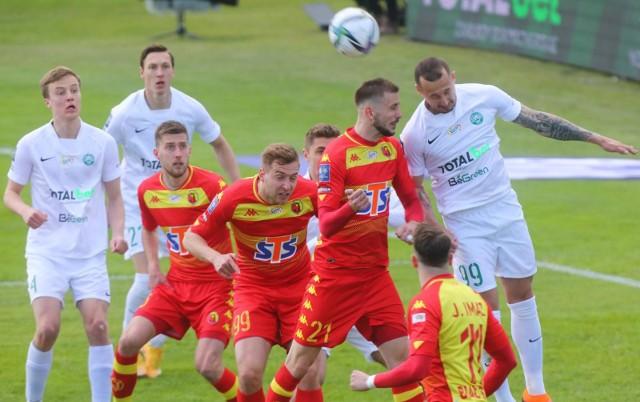 W ostatnim meczu wyjazdowy Żółto-Czerwoni nie popisali się, przegrywając z Wartą Poznań 0:2. Oby w Zabrzu wypadli dużo lepiej.