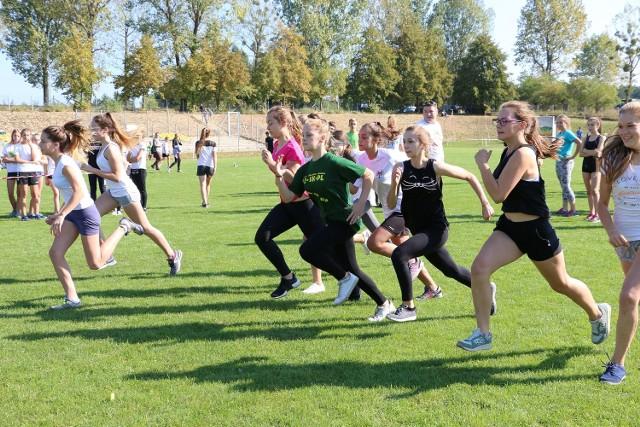 W biegach wystartowało łącznie 370 młodych lekkoatletów z woj. lubuskiego i wielkopolskiego.