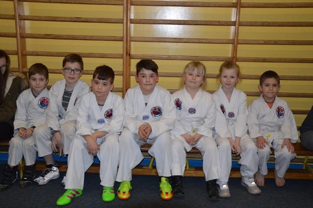 W przerwie meczu wystąpiły dzieci z sekcji Taekwondo