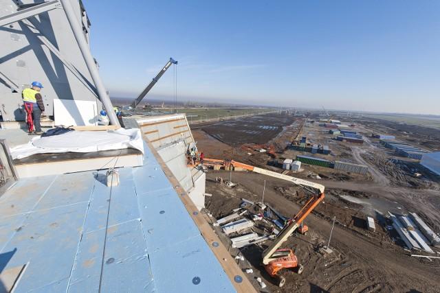 Budowa kompleksu bazy tarczy antyrakietowej w Rumunii. Identyczny obiekt powstanie w Redzikowie.