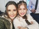Selin Sezgin - czyli serialowa mama Elif. Taka jest w serialu i na co dzień [zdjęcia]