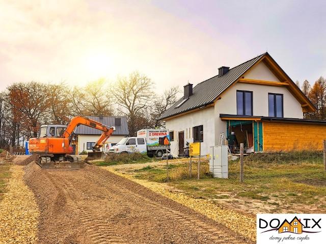Zakończyła się już budowa 16 domów na osiedlu Spacery w Młoszowej