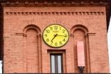 Koniec zmiany czasu z letniego na zimowy? Kiedy zmianą czasu zajmą się posłowie? Ustawa jest gotowa i czeka w Sejmie!