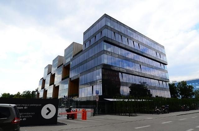 Dotychczasową siedzibą Allegro był biurowiec Pixel przy ul. Grunwaldzkiej. Jeden z najbardziej charakterystycznych budynków w Poznaniu.