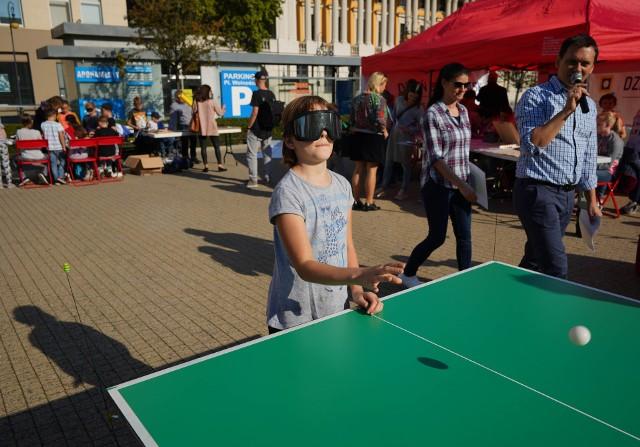Nie zabrakło też występów z udziałem dzieci ze Specjalnego Ośrodka Szkolno-Wychowawczy dla Dzieci Niewidomych w Owińskach, oraz rozgrywek w tenisa stołowego dźwiękowego, w których specjalizują się niepełnosprawni uczniowie z Owińsk.