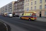 Zabójstwo 23-latka na klatce schodowej w Opolu. Policja zatrzymała sprawcę. Trwa przesłuchanie mężczyzny podejrzewanego o morderstwo