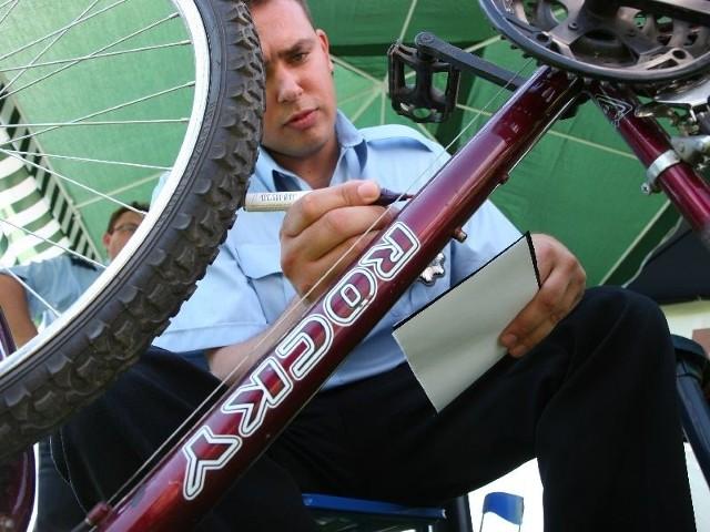 przeprowadzi bezpłatne znakowanie rowerów