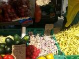 Owoce i warzywa na łódzkich rynkach za złotówkę a nawet taniej