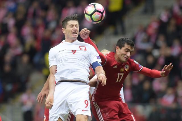 Polscy kibice, którzy są już w Erywaniu wierzą, że Robert Lewandowski znów strzeli gola Armenii.