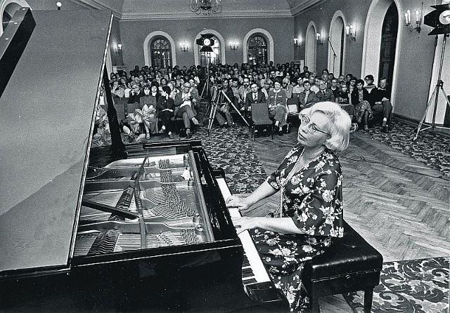W sierpniu  1980. melomani słuchali w Dusznikach muzyki Chopina