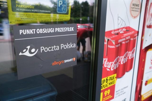 Biedronka testuje usługi pocztowe i otwiera się w niedziele. Gdzie w Poznaniu i Wielkopolsce są otwarte Biedronki? Zobacz listę sklepów w galerii. Przejdź dalej --->