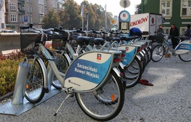 Początek sierpnia to koniec terminu - wtedy mają być już postawione 33. stacje rowerowe w Szczecinie.