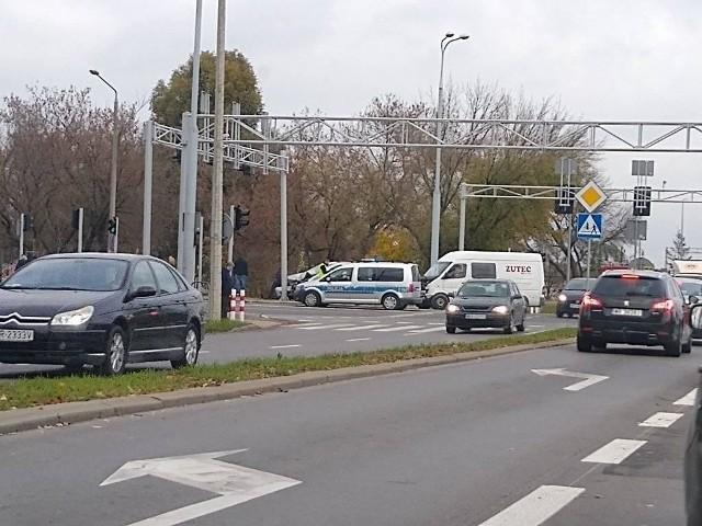 Wypadek na skrzyżowaniu ulicy Wernera i Szarych Szeregów.