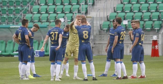 Stal Rzeszów odniosła trzecie zwycięstwo z rzędu [CZYTAJ WIĘCEJ O MECZU BŁĘKITNI - STAL]. Biało-niebiescy pod koniec sezonu wrócili do wysokiej formy - czy utrzymają ją na samym finiszu rozgrywek? Wyciągamy wnioski po meczu z Błękitnymi Stargard.