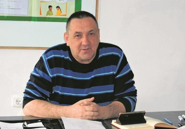- Nie twórzmy molochów - argumentuje Antoni Cydzik (na zdjęciu), jeden z orędowników powstania SP nr 4